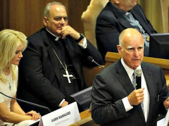 Jerry-Brown-at-Vatican-Climate-Conf-AP-Photo-640x480