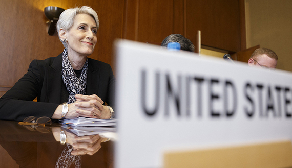 U.S. Under Secretary of State Wendy Sherman sits after arriving for a trilateral meeting with UN-Arab League envoy for Syria Lakhdar Brahimi and Russia's Deputy Minister of Foreign Affairs Gennady Gatilov during the second round of negotiations between the Syrian government and the opposition at the European headquarters of the United Nations, in Geneva, Switzerland, February 13, 2014. REUTERS/KEYSTONE/Valentin Flauraud/Pool (SWITZERLAND - Tags: POLITICS) - RTX18R7Q