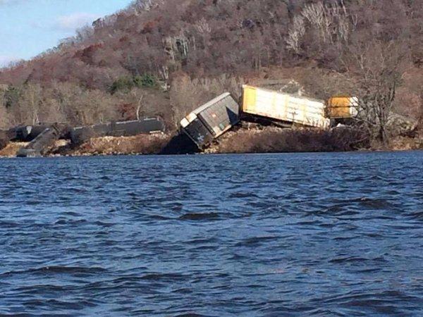 Rail derailment Wisconsin