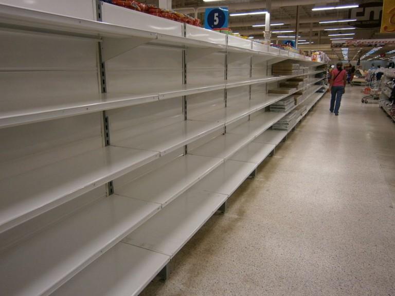 Escasez_en_Venezuela_Central_Madeirense_8-998x749