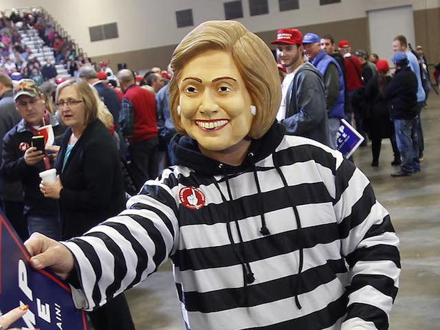 hillary-trick-or-treat