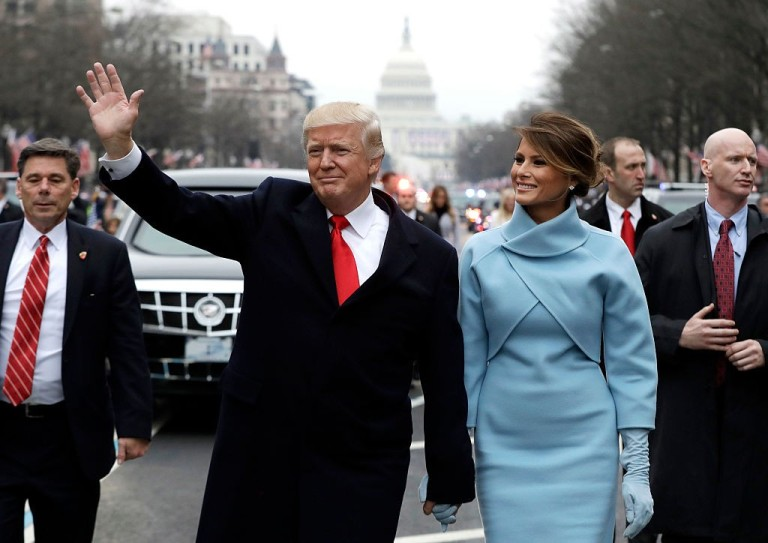 donald-melania-wlaking-2
